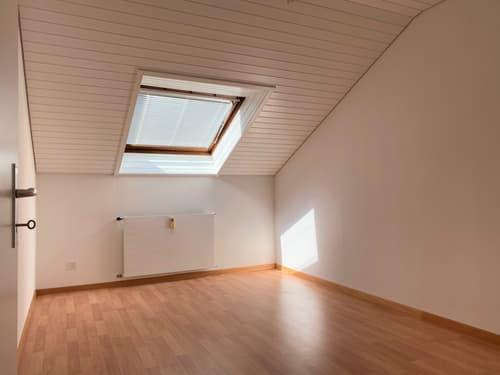 Gut fürs Portemonnaie: Preiswerte & renovierte Wohnung im Dachgeschoss