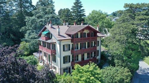 Magnifique maison locative à 20 minutes de Lausanne, à Saint-Légier avec 5 appartements idéale pour y habiter et louer des appartements ou comme bâtiment à rendement