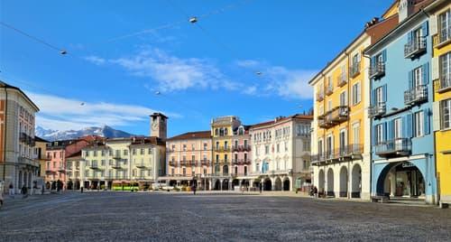 Piazza Grande Locarno, affittasi locale commerciale adibito a negozio o esercizio pubblico