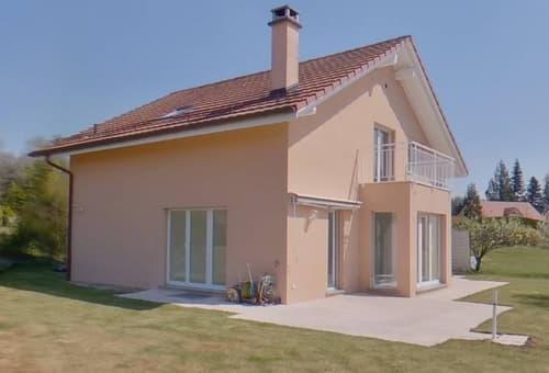 Magnifique villa, avec cinq chambres à coucher et grand jardin, à seulement 5km Lausanne !