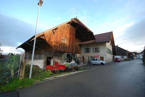 A vendre à Oleyres ferme avec habitation de 6 pièces, rural, terrain agricole