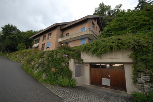 A vendre à Tüscherz-Alfermée appartement attique de 5.5 pièces avec vue sur le lac de Bienne