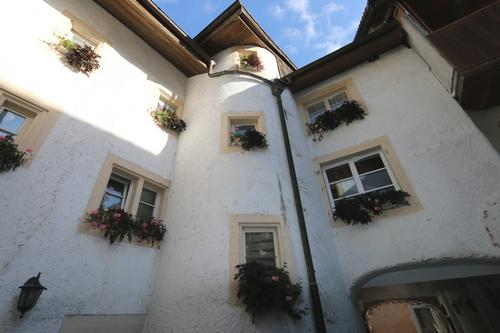 Hotel Restaurant mit Wohnung im Herzen der Stadt von St. Ursanne