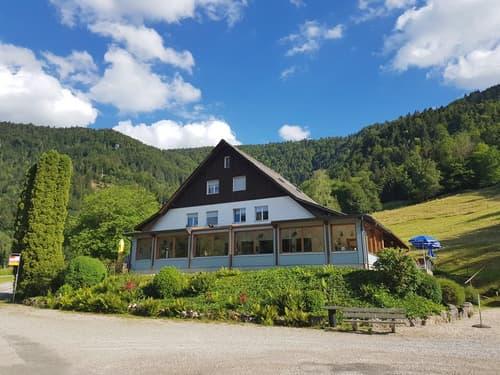 Le Relais du Doubs alleinstehendes Gebäude mit viel Potential