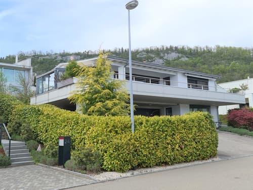 SUPER OFFRE - Villa d'exception idéalement bien située avec studio indépendant et triple garage