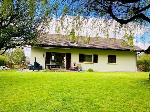 Splendide maison sur une belle parcelle arborée! (1)