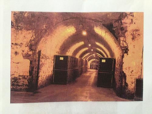 A Vendre: Vaste Domaine, vignes, cave et distillerie chargé d'histoire