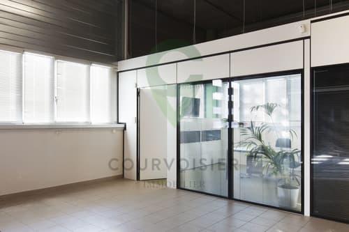 Beau bureau meublé, sécurisé et facile d'accès  -  (2ème bureau dispo)