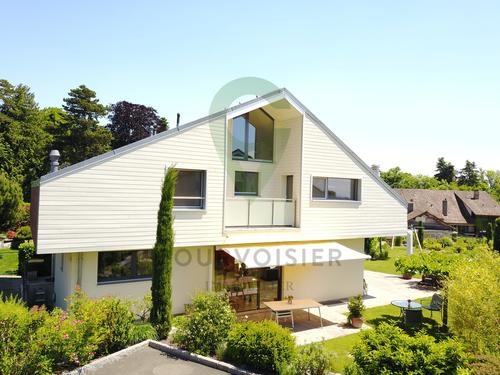 Maison moderne de 5.5 pièces offrant sérénité et vue dégagée