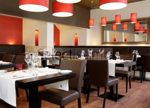 Café-Restaurant centré dans un quartier d'affaire