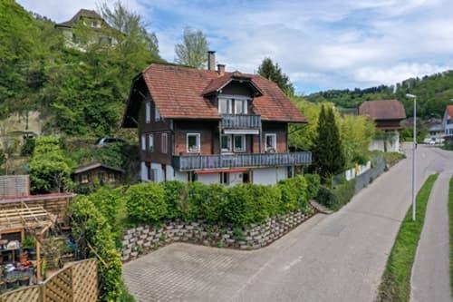 Gut erhaltenes Dreifamilienhaus an ruhiger Lage