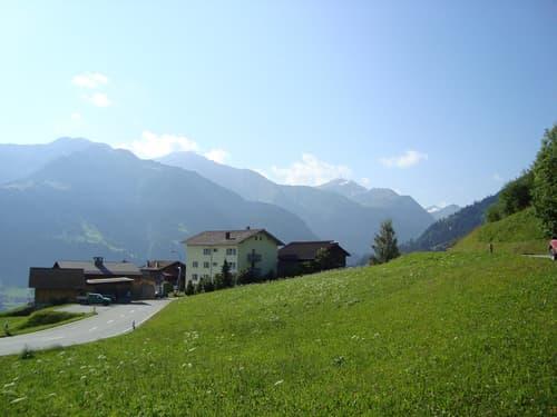 Vier Bauparzellen mit traumhaften Bergpanorama in Crestas, Vignogn