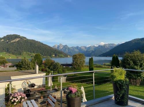 Exklusiver Wohntraum am Sihlsee - mit sehr viel Platz zum Leben