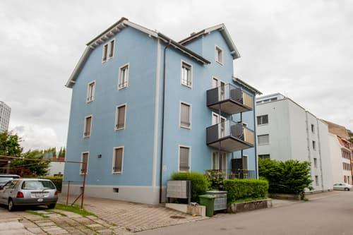 Zentrale Wohnung mit Balkon