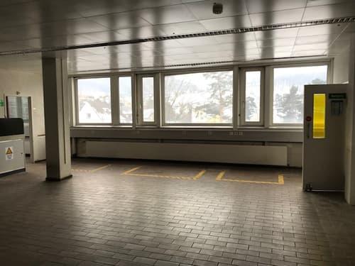 Zu vermieten direkt beim Bahnhof Pratteln Labor-/Büro-/Gewerbe- oder Praxisräume