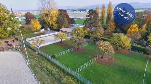 Terrain à bâtir de 8337 m2 avec 4 appartements à Vallon / FR