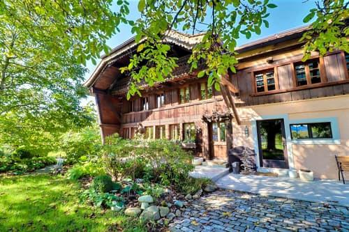 Superbe façade en vieux bois