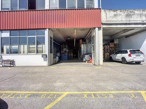 Local stockage ou atelier avec bureau