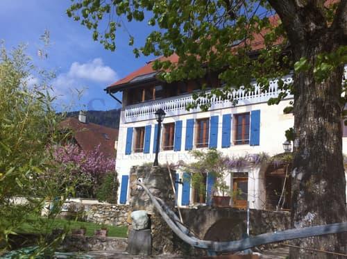 DEUX  APPARTEMENTS dans une belle maison de village