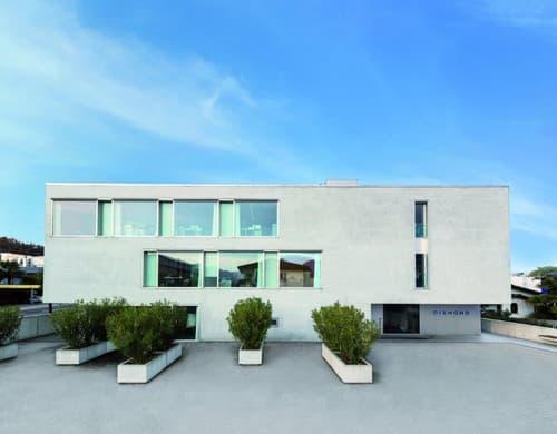 Büro oder Praxis-Räume an perfekter Lage in Losone