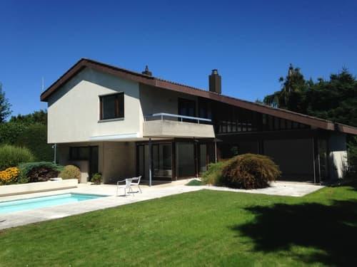 Ruhig gelegenes 6.5-Zimmer Einfamilienhaus mit Schwimmbad (1)