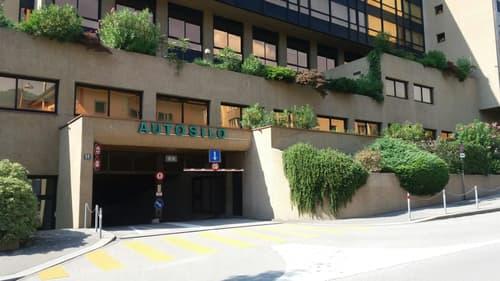 Lugano centro - affitasi posti auto