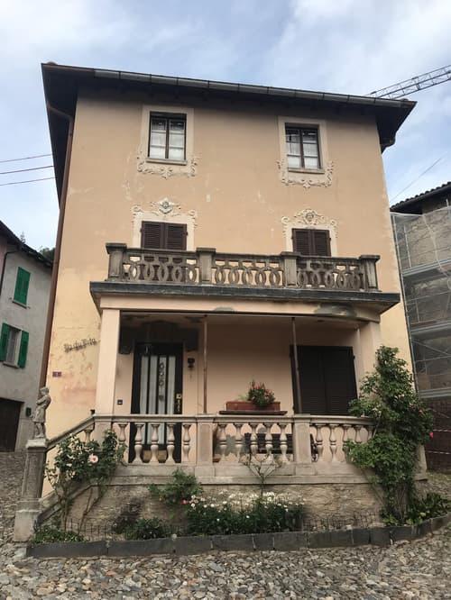 Caratteristica casa ticinese dell'800