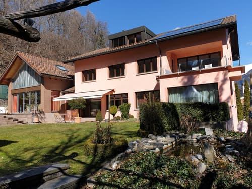 Grosses Wohnhaus mit Wellnessbereich und Nebengebäude für Homeoffice (1)