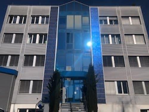 Attraktive Büroräumlichkeiten an gut gelegenem Standort (Industriegebiet) (1)