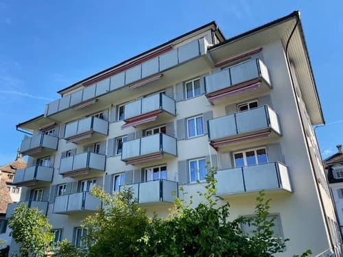 Grosszügige 3 Zimmer-Wohnung 4. OG rechts an zentraler Lage