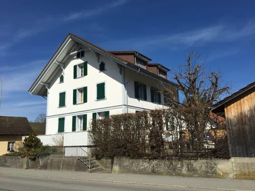 Gemütliche 3-Zimmerwohnung oder Büro im 1 Obergschoss (1)