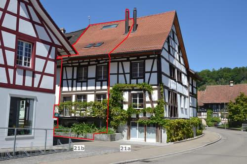 Perfekt renoviertes, sehr helles Mittelalterhaus im Zentrum, 2 Balkone