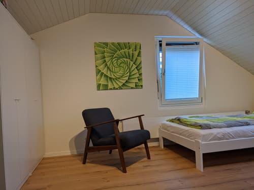 1-Zimmer-Dachstudio mit eigener Küche und Bad