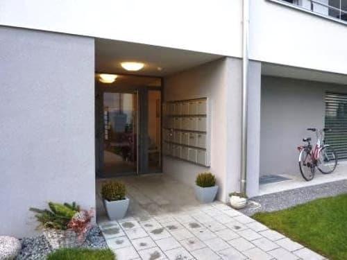 Helle 2.5 Zimmer - zentral - mit Balkon (1)