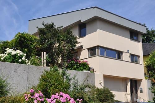 Freistehendes Einfamilienhaus mit schönem Garten an perfekter Lage (1)