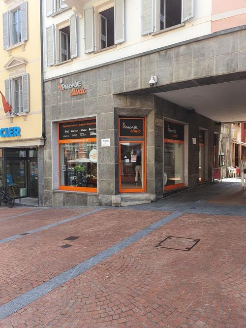 Store in the highly frequented Via Giuseppe Motta 1, 6900 Lugano (1)
