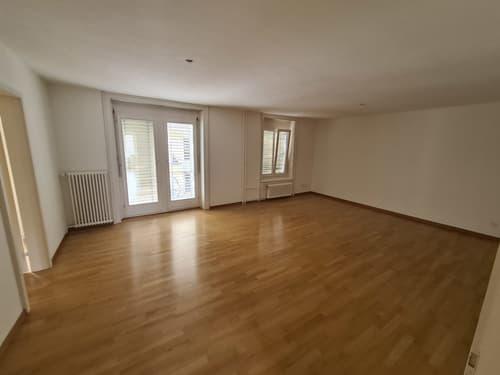 Grosse 2.5 Zimmer Wohnung im Seefeld mit Balkon und Lift (1)