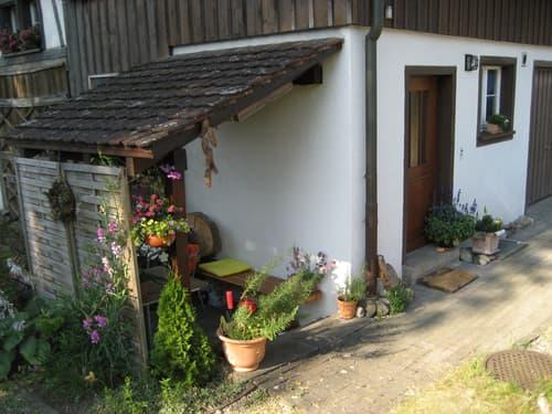 Im Dorfkern von Rickenbach heimelige 1 1/2 Zimmer Maisonette Wohnung mit Sitzplatz zu vermieten