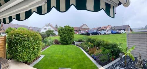 Wunderschöne 2.5 Zimmer Wohnung mit grossem Garten