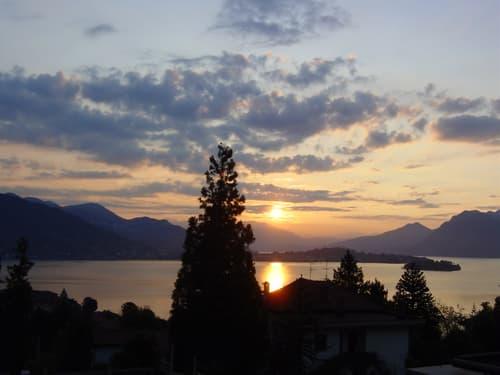 2-Zimmerwohnung mit direkter Sicht auf den Lago Maggiore (1)