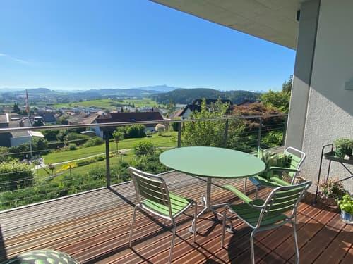 Exklusive, moderne Villa mit Pool und Aussicht (1)