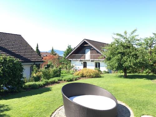 Einfamilienhaus mit grossem Garten in Wolfhausen (1)