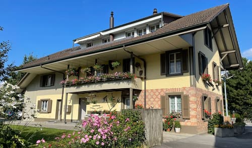 Heimelige 3.5 Zimmer Dachwohnung, Bonstettenpark/See und ÖV in unmittelbarer Nähe