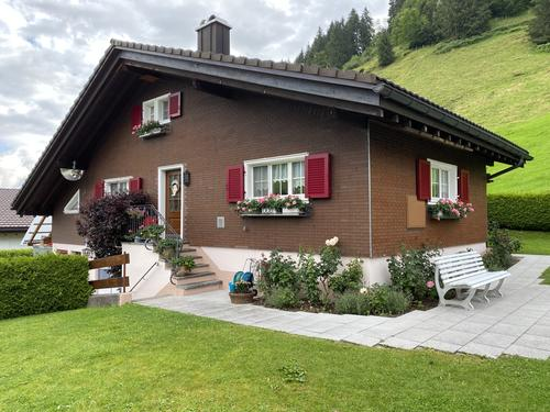 Freistehendes Einfamilienhaus im Naturerholungsgebiet Ybrig (1)