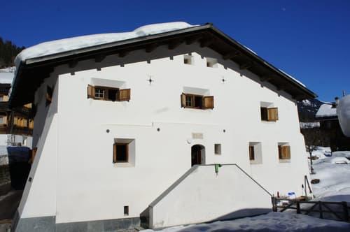 4 Zi-Wohnung im Baudenkmal in Molinis/Arosa (1)