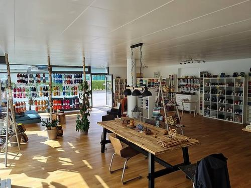 Atelier (106m2) mit eigener Küche und WC / Nachmieter gesucht