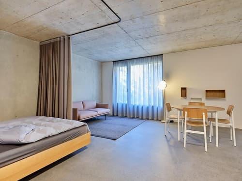 Möbliertes Wohnobjekt mit Designmöbel von Teo Jakob