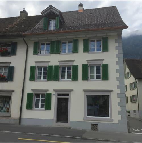 Mehrfamilienhaus in Arth (1)
