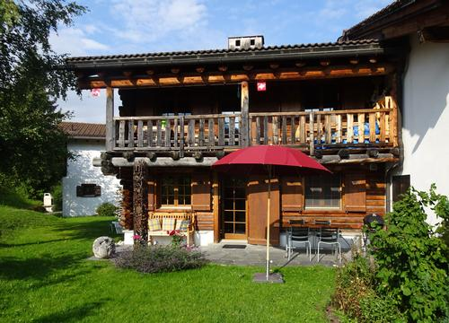 Reizende, möblierte 2.5 Zimmer Ferienwohnung in Misanenga / Obersaxen