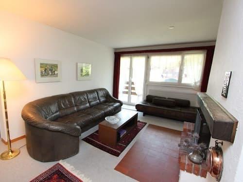 Sonnige 3.5 Zimmerwohnung mit Bergsicht und Einzelgarage bei Savognin (1)